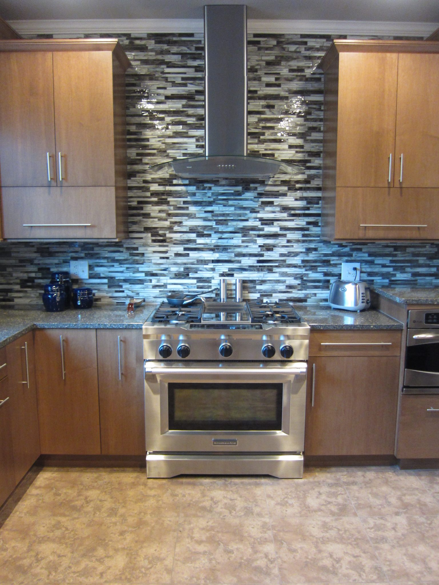 kitchen counter backsplash combos part 1 kitchen counters and backsplash This Dallas Ft Worth kitchen includes counters and backsplash which are paired with medium brown and simple cabinets as a timeless combo that will look